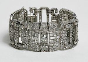 Maya Rudolph Neil Lane Bracelet Oscars 2012