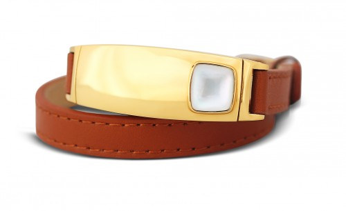 #idazzledesires: Walt Adler Chefitz Viawear Tyia Wearable Tech Bracelet